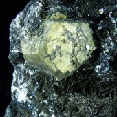 ematite-con-pirite-1